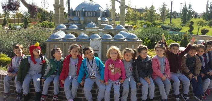 Gençlik Anaokulu 80binde Devri Alem Parkında