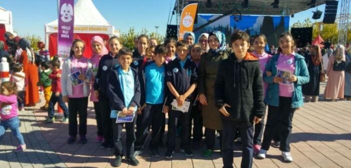 Özel Gençlik Ortaokulu Eko-Tim Öğrencileri Doğa Bilim Şenliği'nde