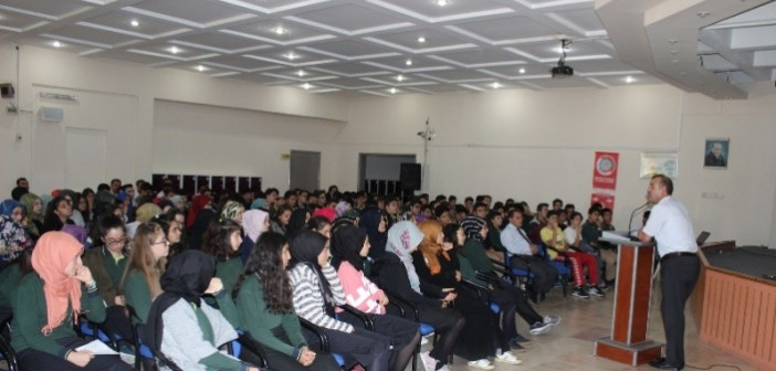 Özel Enderun'da Tübitak Proje Seminerleri Devam Ediyor