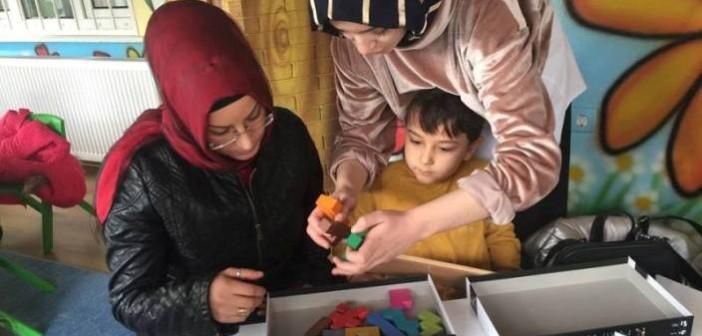 Gençlik Anaokulunda Aileler ve Çocuklar Akıl Oyunları Dersinde