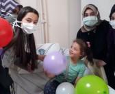 Özel Enderun Öğrencileri Hastanedeki Minikleri Ziyaret Ederek, Şivlilik İkramında Bulundu