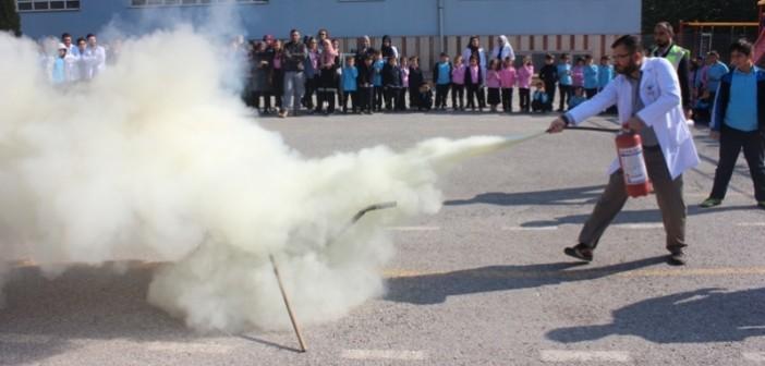 Gençlik İlkokulu ve Ortaokulunda Yangın Tatbikatı